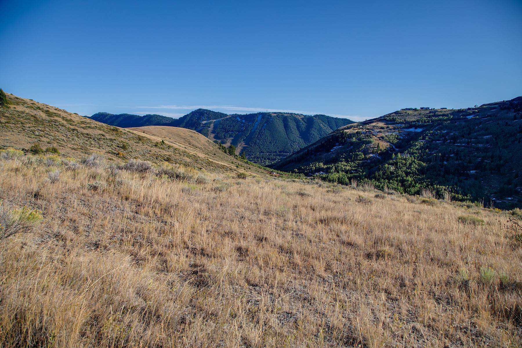 8. Land for Sale at Majestic Views atop Spring Creek Ranch 1265 Lower Ridge Rd Jackson, Wyoming 83001 United States