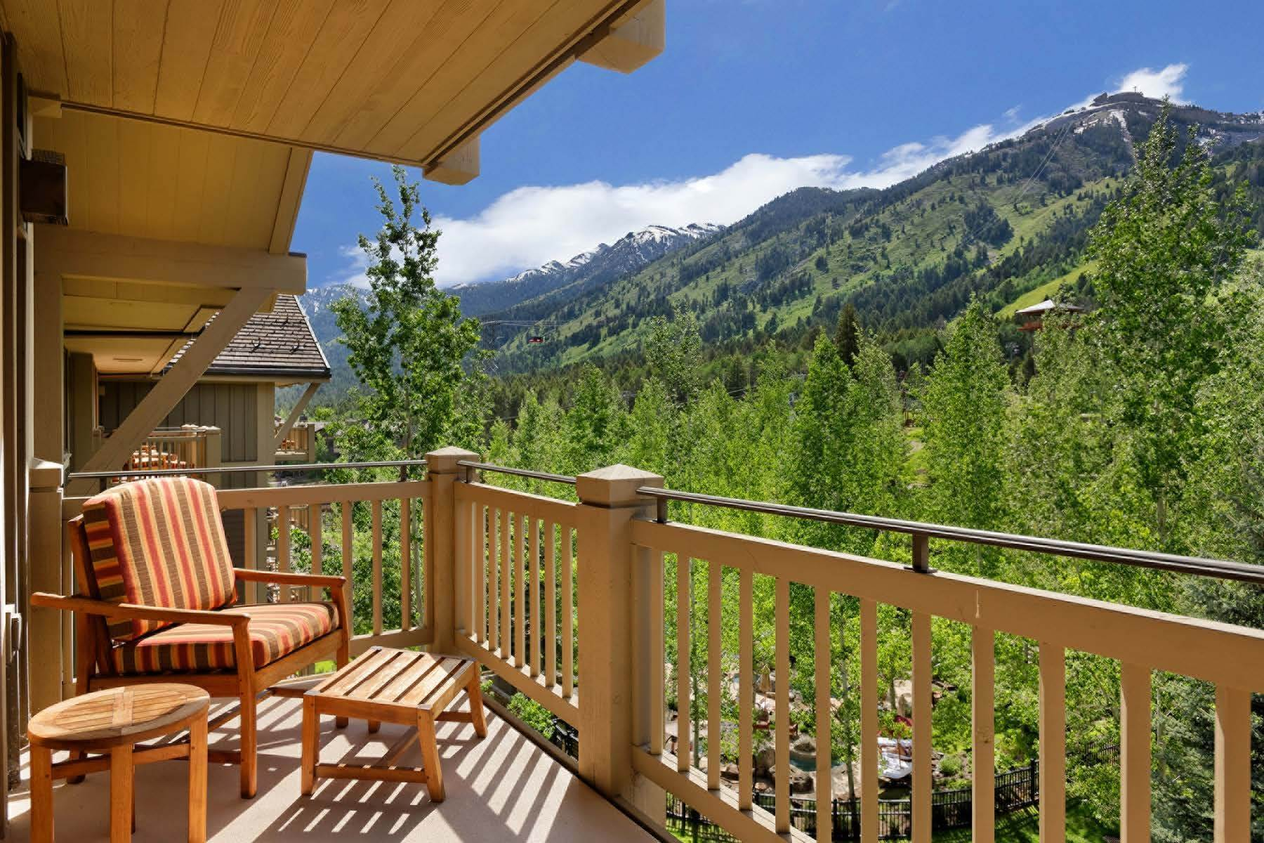 4. Condominiums for Sale at Refreshed Four Seasons Private Residence 7680 N Granite Loop Road, Unit 850 Teton Village, Wyoming 83025 United States