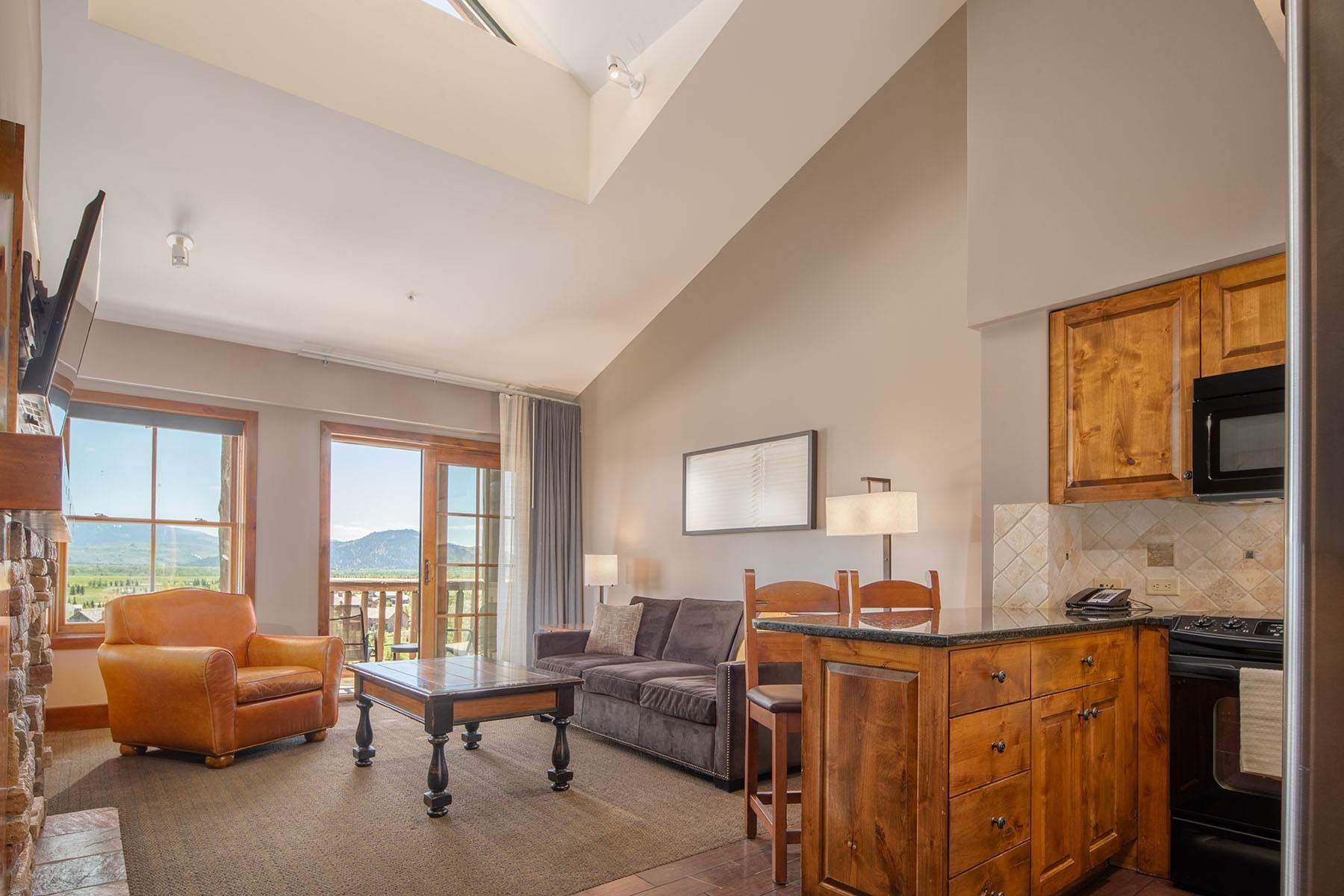Condominiums por un Venta en Slopeside Penthouse 3385 W Village Drive, #421 Teton Village, Wyoming 83025 Estados Unidos