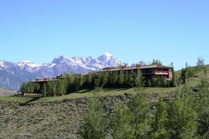 Residential at 585 W SENA ROAD 585 W SENA ROAD Jackson, Wyoming 83001 United States