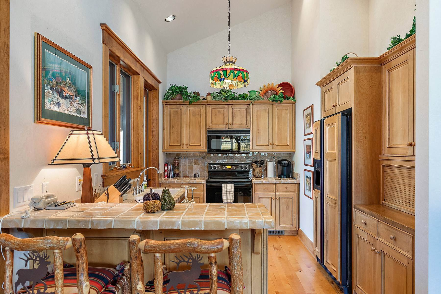 23. Single Family Homes for Sale at 2650 W Stonecrop Road Jackson, Wyoming 83001 United States