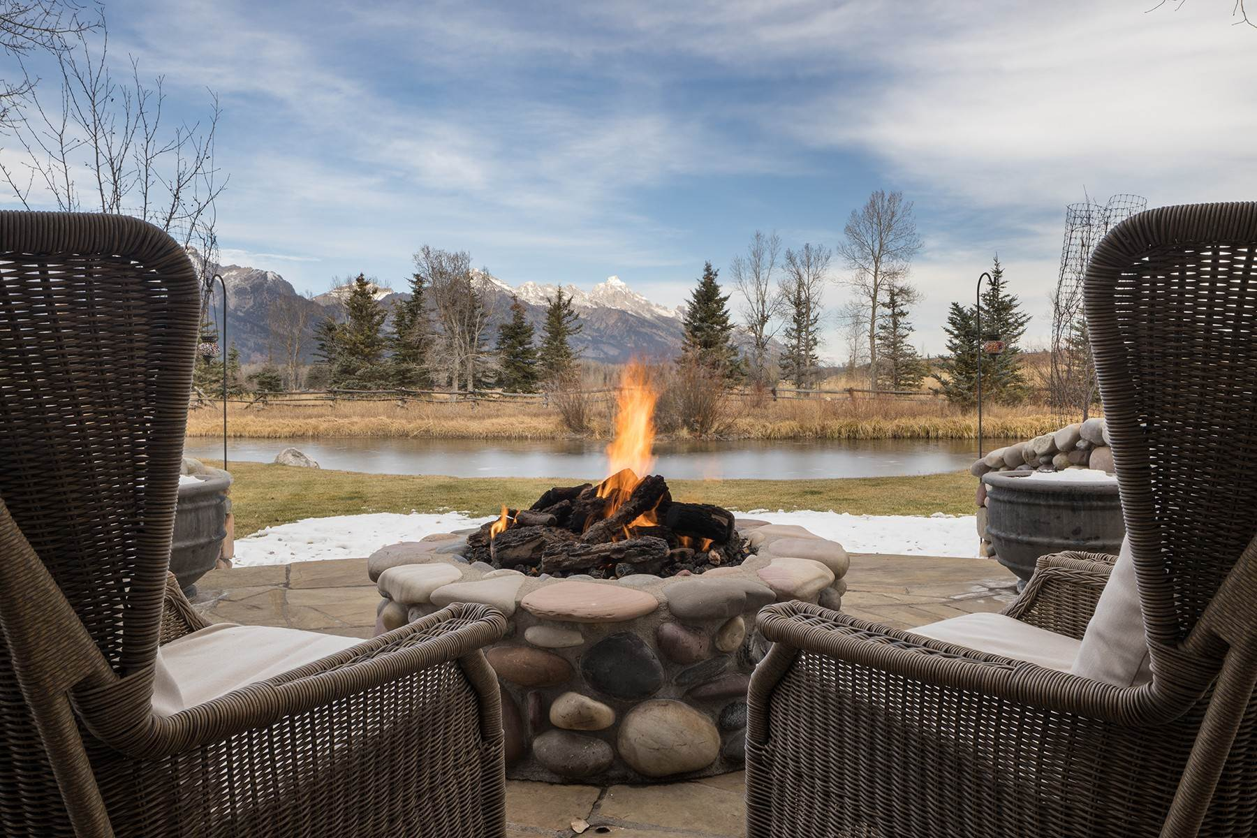 17. Single Family Homes for Sale at 6670 Lower Cascade Drive Jackson, Wyoming 83001 United States