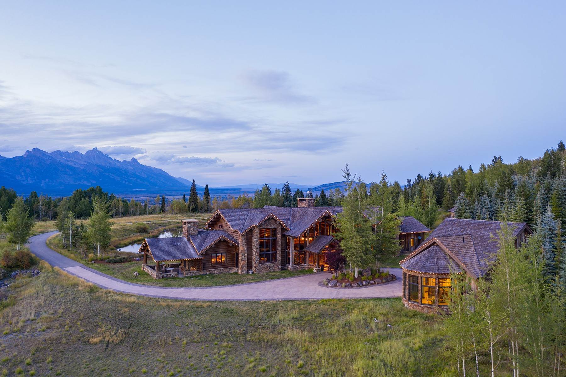 4. Single Family Homes for Sale at Riva Ridge Retreat, Residence of Western Grandeur 3000 Riva Ridge Road Jackson, Wyoming 83001 United States
