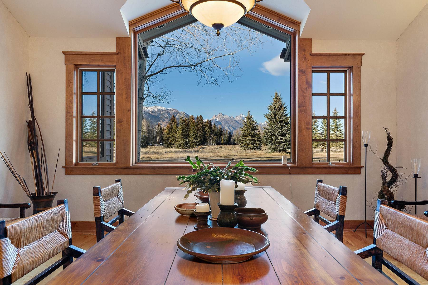 13. Single Family Homes for Sale at 2650 W Stonecrop Road Jackson, Wyoming 83001 United States