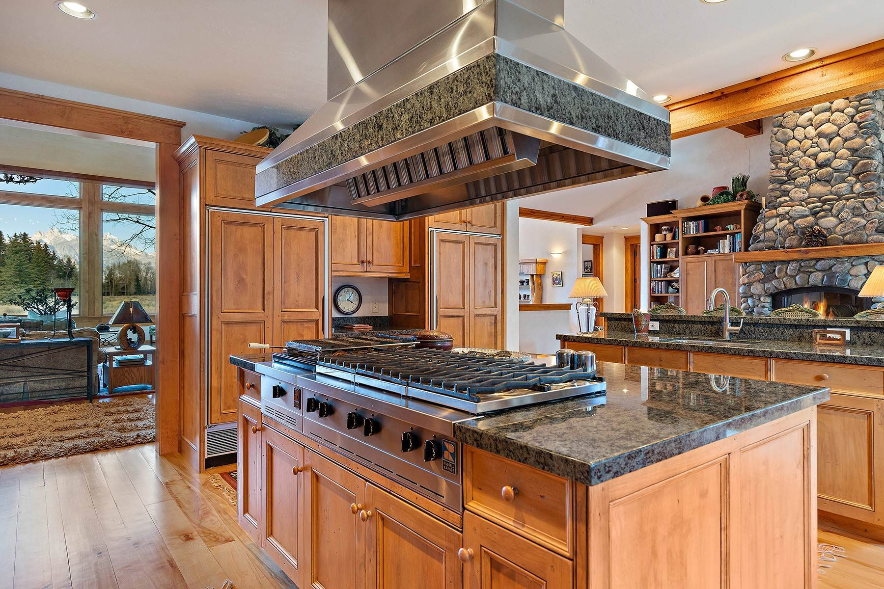 10. Single Family Homes for Sale at 2650 W Stonecrop Road Jackson, Wyoming 83001 United States