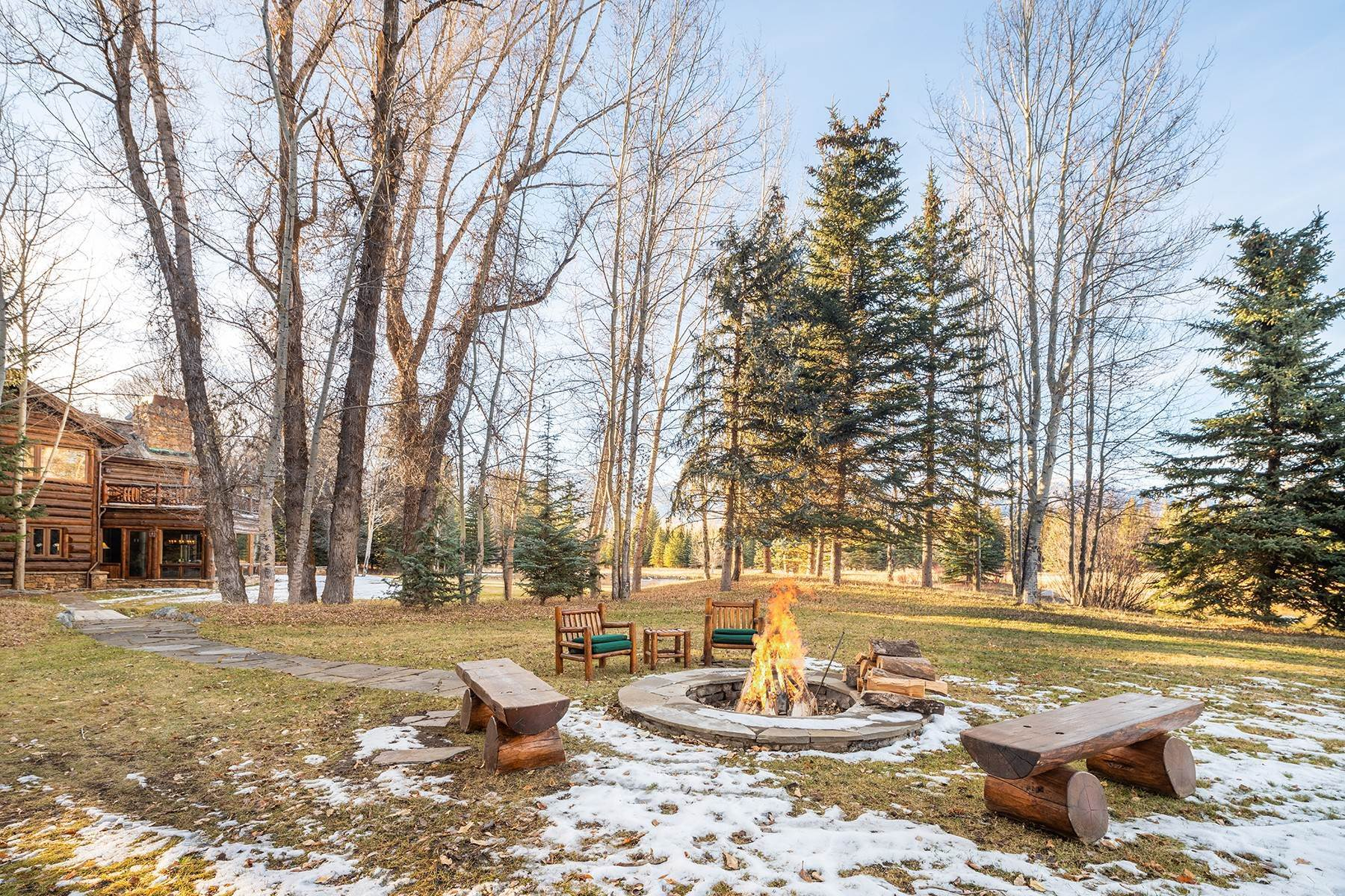 31. Single Family Homes for Sale at Elk Run Estate 1345/1245 Bugling Elk Trail Jackson, Wyoming 83001 United States