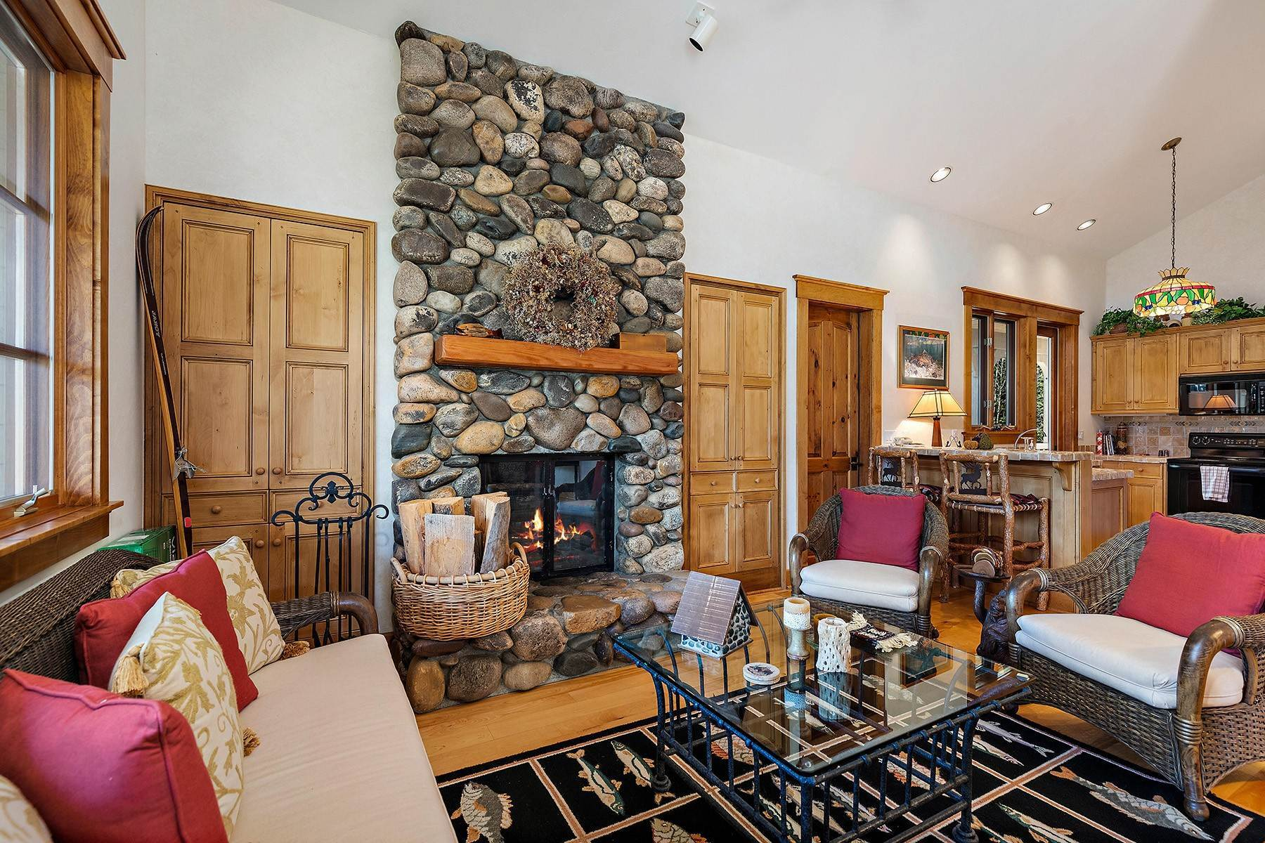41. Single Family Homes for Sale at 2650 W Stonecrop Road Jackson, Wyoming 83001 United States