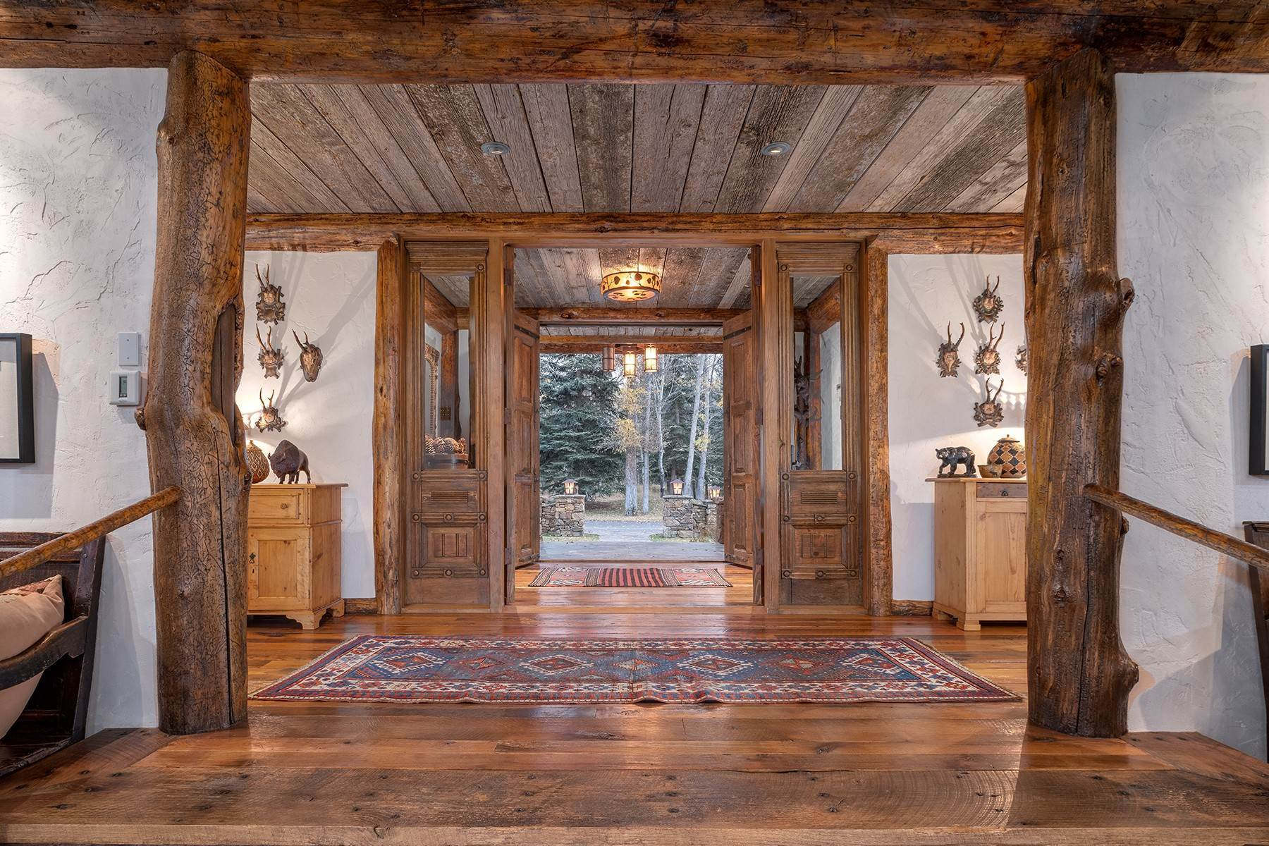 16. Single Family Homes for Sale at Elk Run Estate 1345/1245 Bugling Elk Trail Jackson, Wyoming 83001 United States