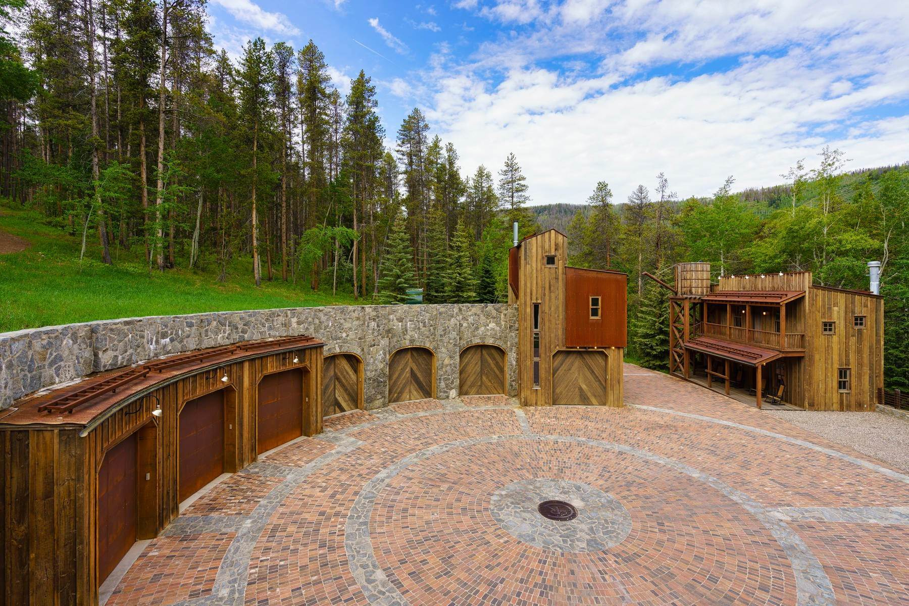 41. Single Family Homes for Sale at Casteel Creek Retreat 25 Casteel Creek Road Edwards, Colorado 81632 United States