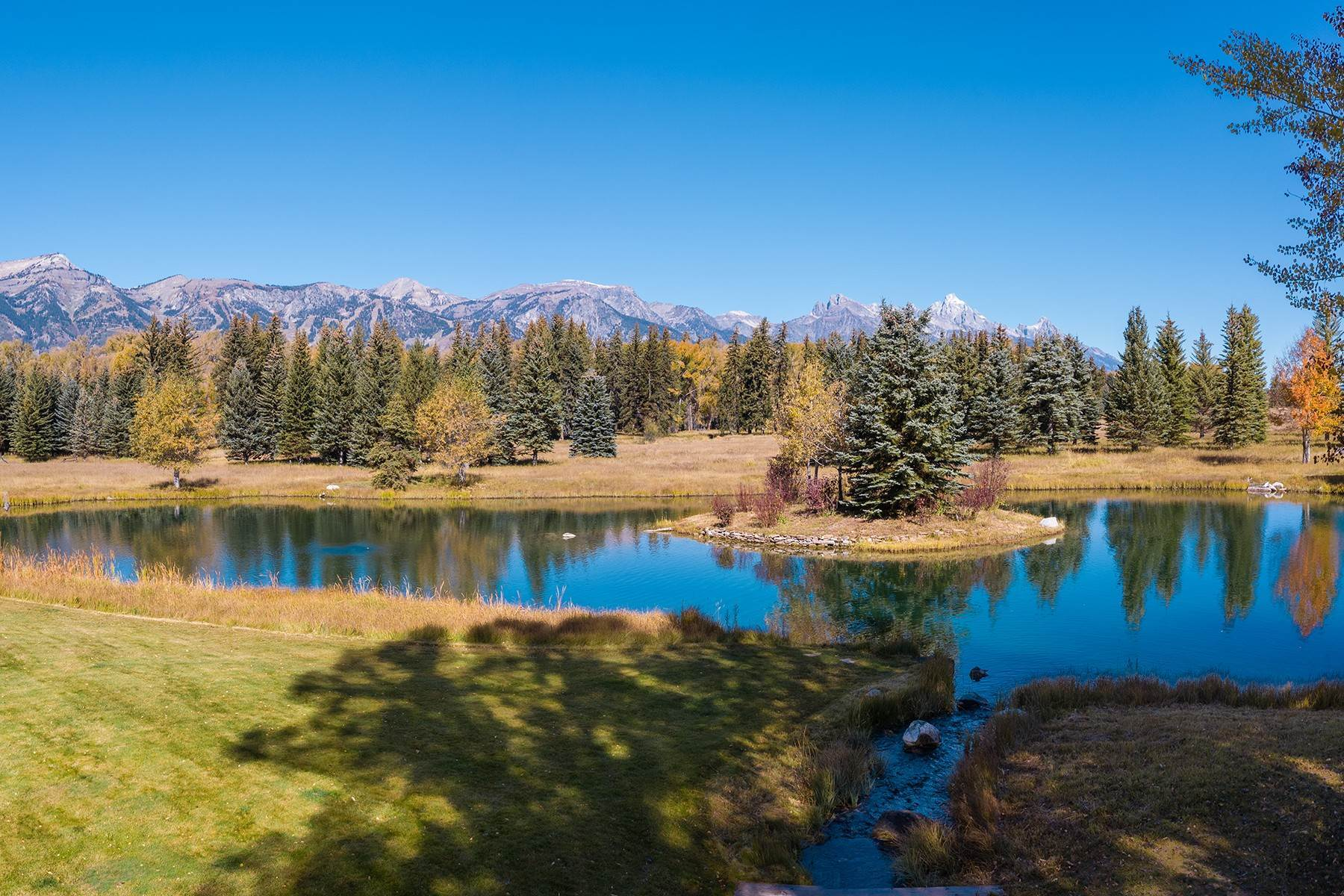 40. Single Family Homes for Sale at Elk Run Estate 1345/1245 Bugling Elk Trail Jackson, Wyoming 83001 United States