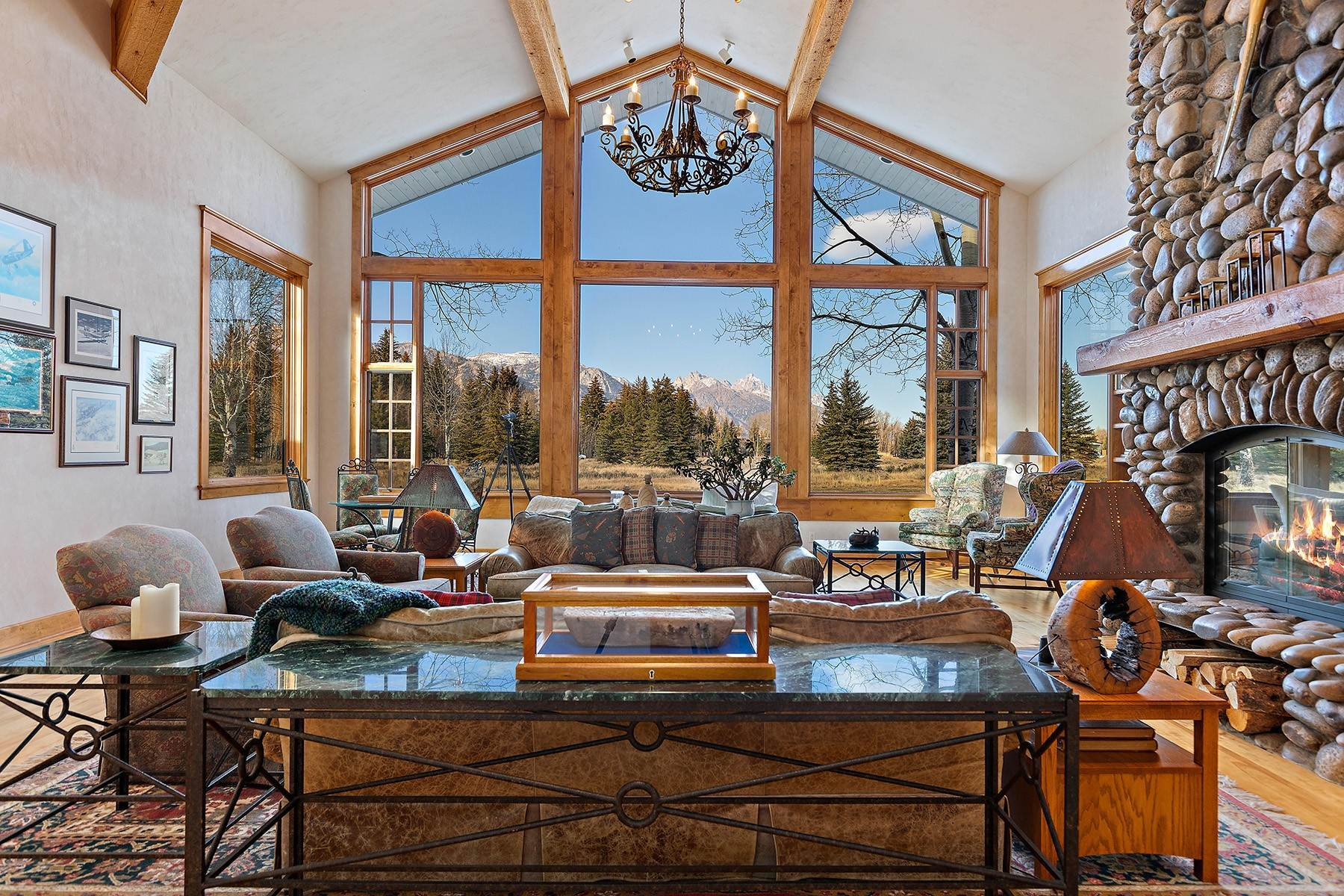8. Single Family Homes for Sale at 2650 W Stonecrop Road Jackson, Wyoming 83001 United States