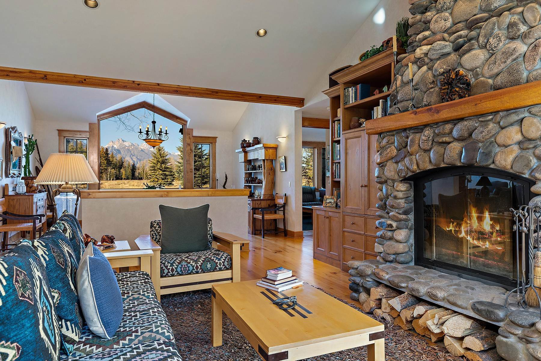 32. Single Family Homes for Sale at 2650 W Stonecrop Road Jackson, Wyoming 83001 United States