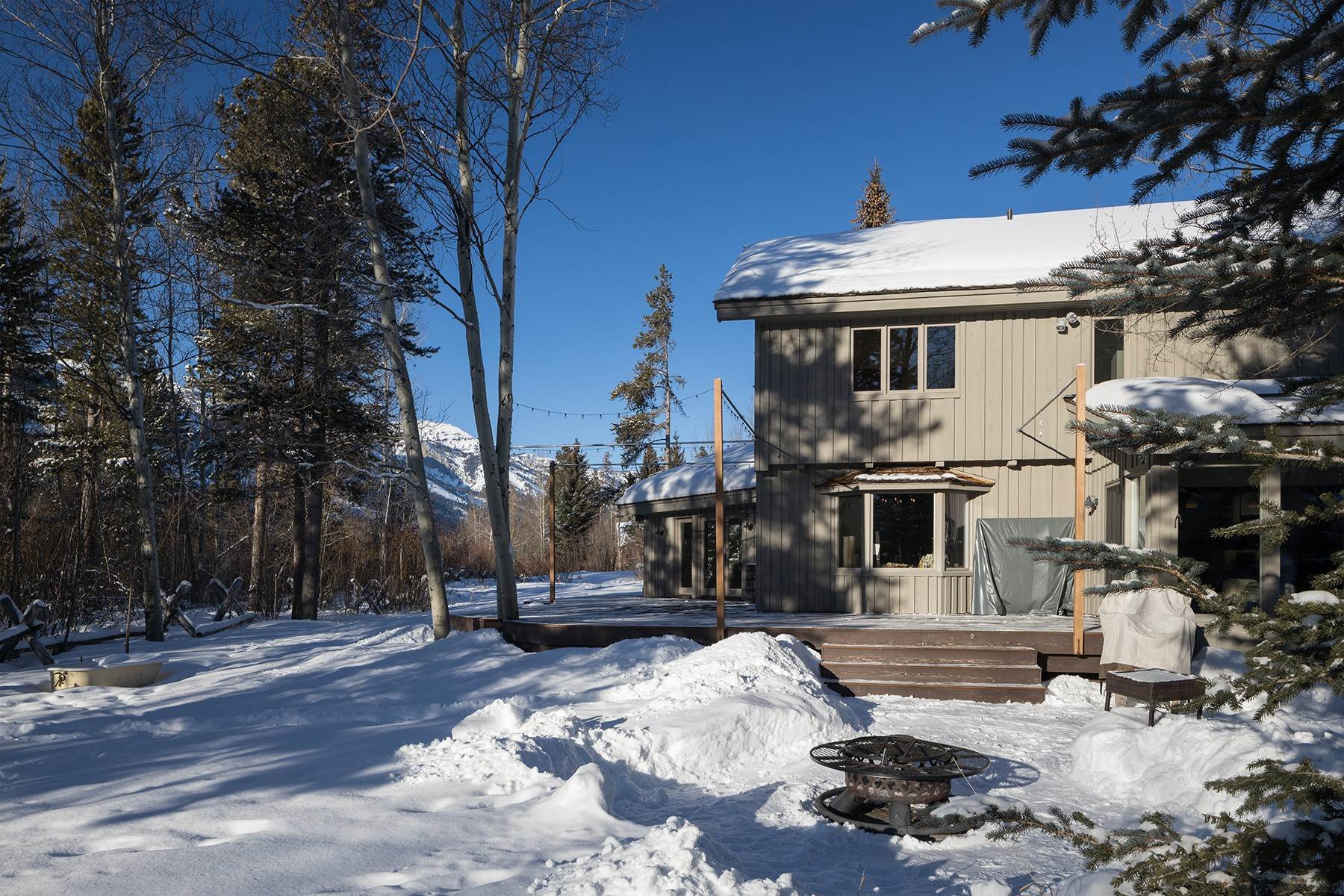 21. Single Family Homes for Sale at Western Sophistication 3205 N Teton Pines Dr Wilson, Wyoming 83014 United States