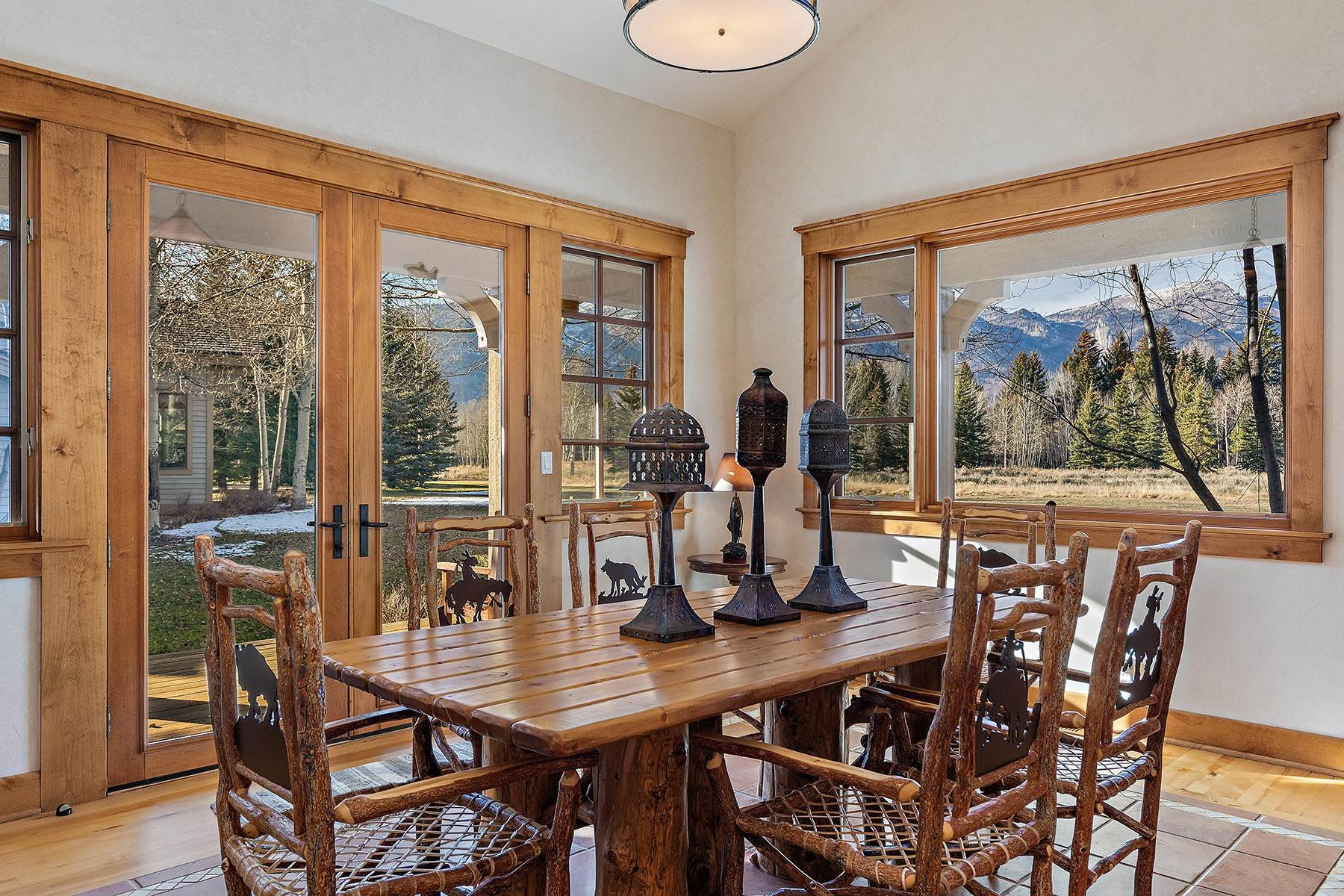 22. Single Family Homes for Sale at 2650 W Stonecrop Road Jackson, Wyoming 83001 United States