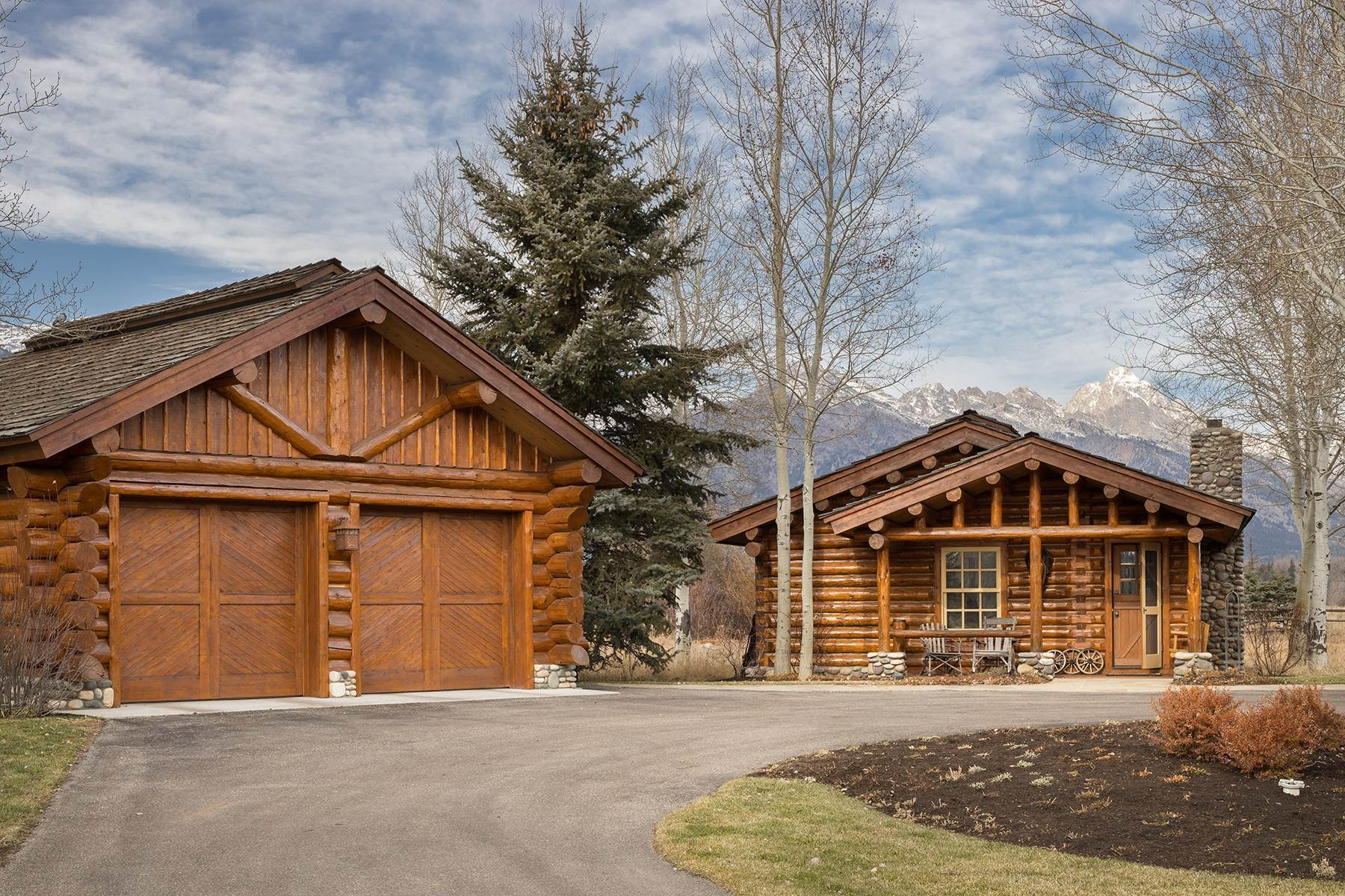 28. Single Family Homes for Sale at 6670 Lower Cascade Drive Jackson, Wyoming 83001 United States