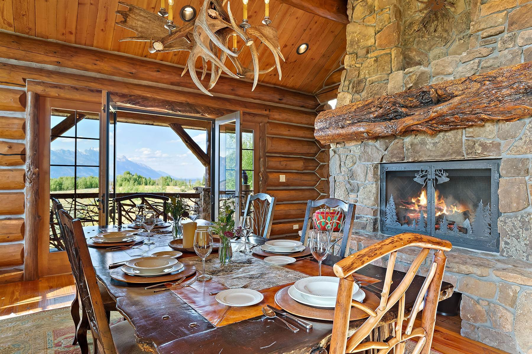 42. Single Family Homes for Sale at Riva Ridge Retreat, Residence of Western Grandeur 3000 Riva Ridge Road Jackson, Wyoming 83001 United States