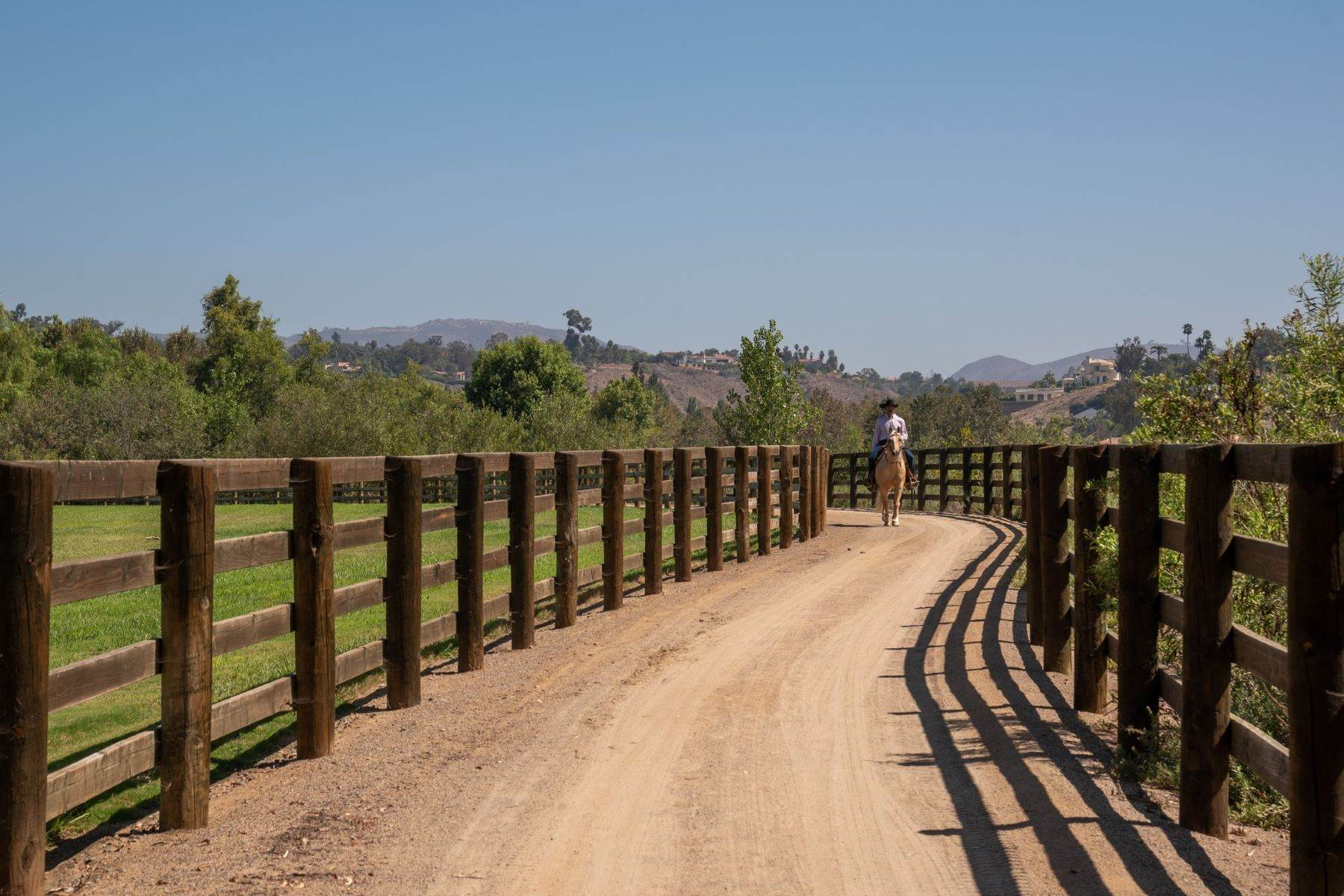30. Farm and Ranch Properties for Sale at 16401 Calle Feliz, Rancho Santa Fe, Ca, 92067 16401 Calle Feliz Rancho Santa Fe, California 92067 United States