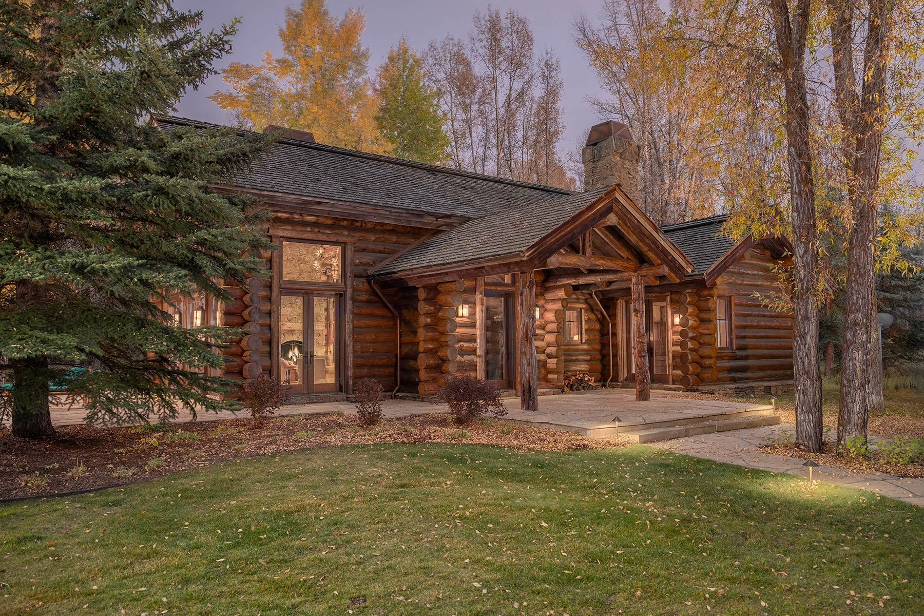 41. Single Family Homes for Sale at Elk Run Estate 1345/1245 Bugling Elk Trail Jackson, Wyoming 83001 United States