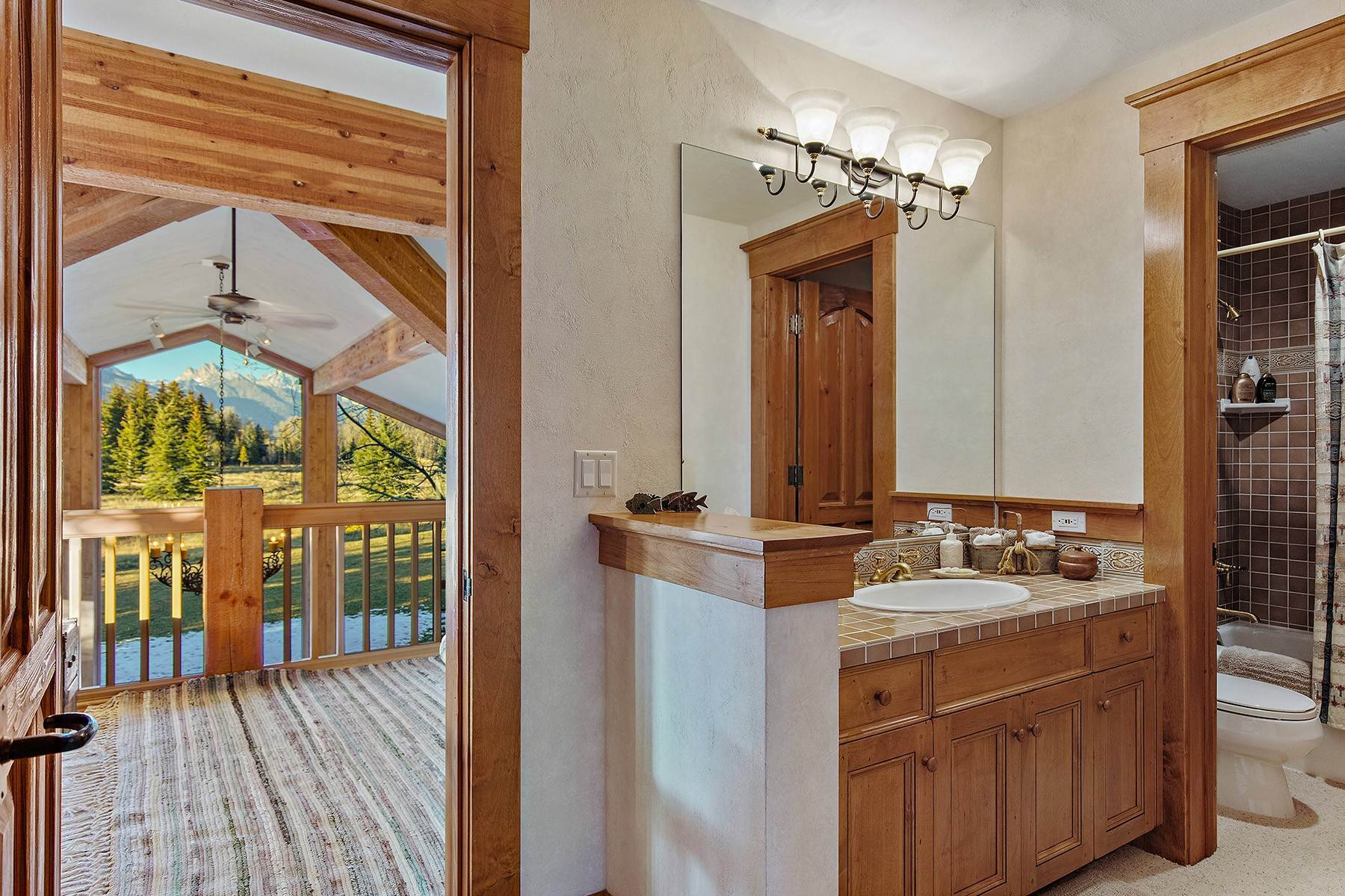 19. Single Family Homes for Sale at 2650 W Stonecrop Road Jackson, Wyoming 83001 United States