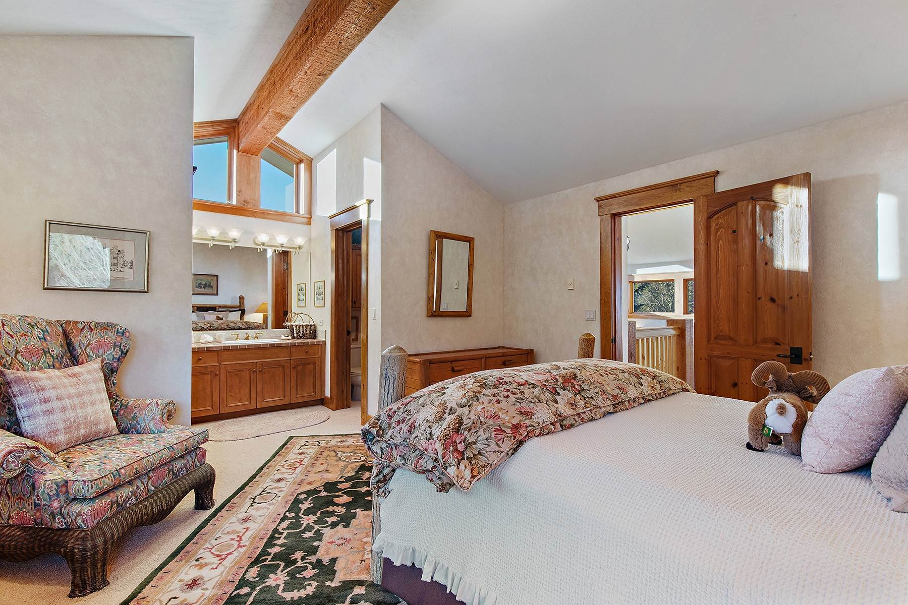 38. Single Family Homes for Sale at 2650 W Stonecrop Road Jackson, Wyoming 83001 United States
