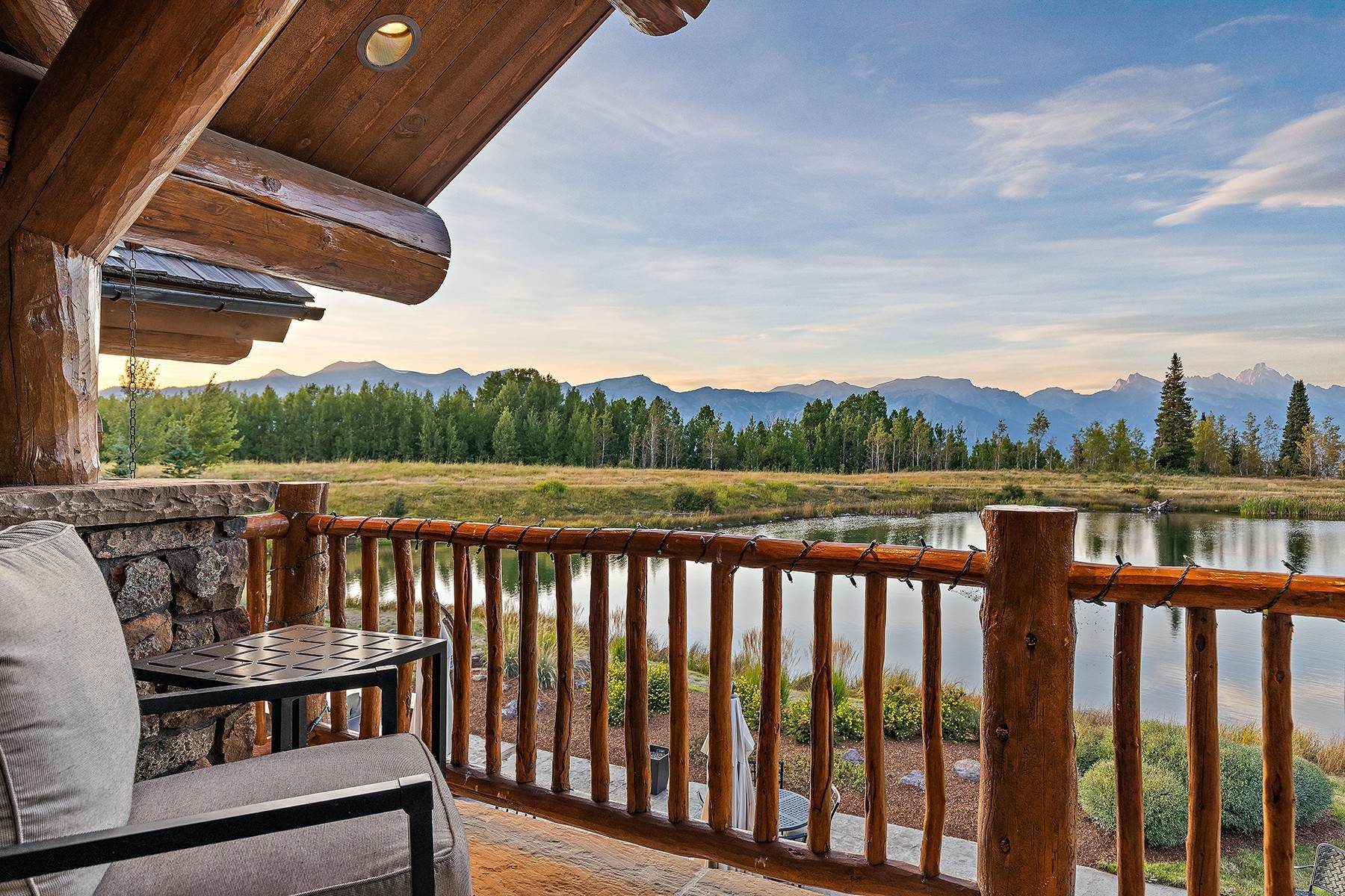33. Single Family Homes for Sale at Riva Ridge Retreat, Residence of Western Grandeur 3000 Riva Ridge Road Jackson, Wyoming 83001 United States